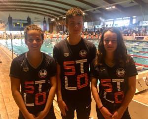 3 nageurs_Face